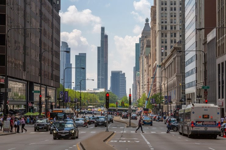 Photo of Chicago street with traffic