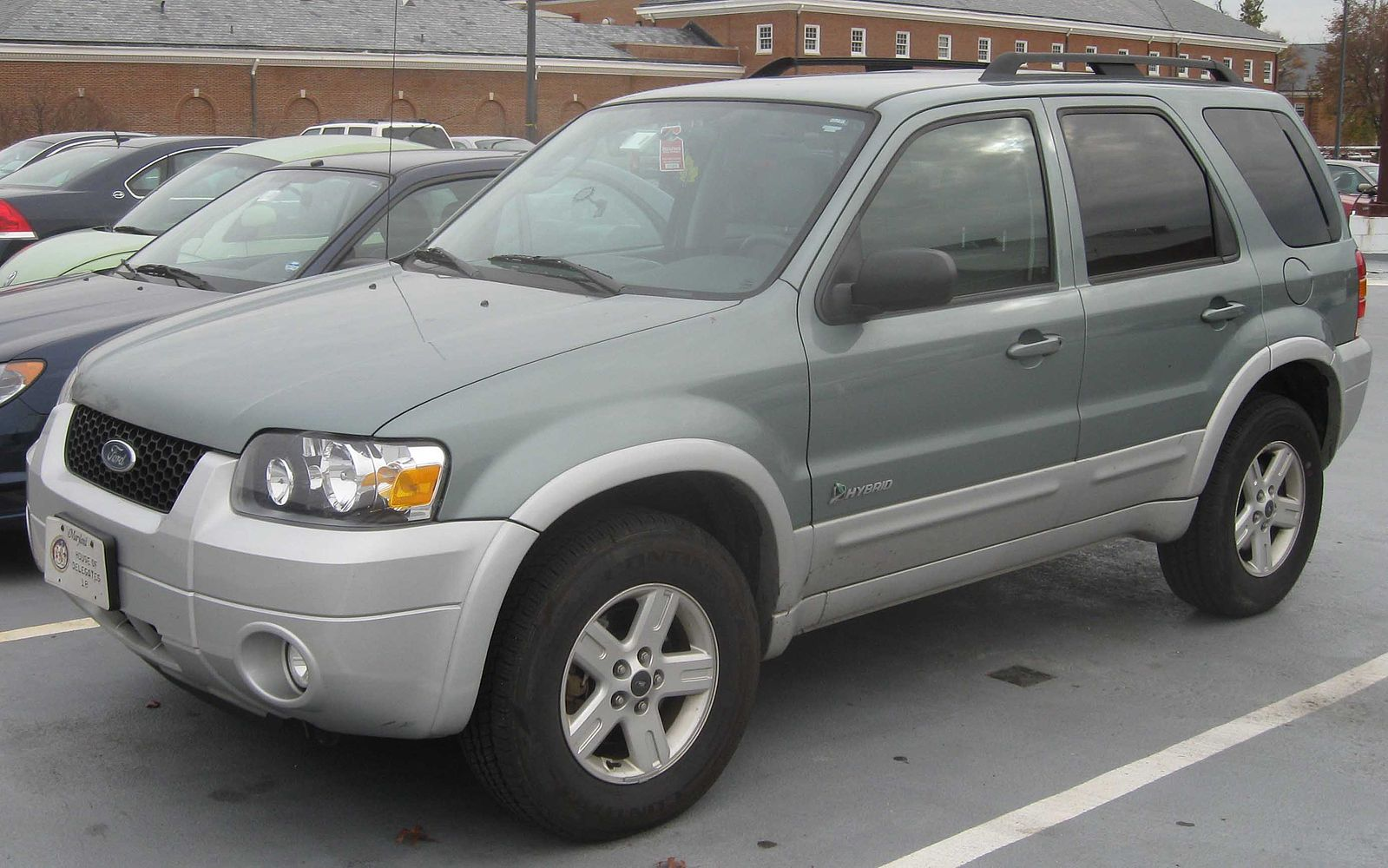 Photo of 2005 Ford Escape hybrid model